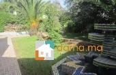 Villa vide de 700m² en location à Hay riad